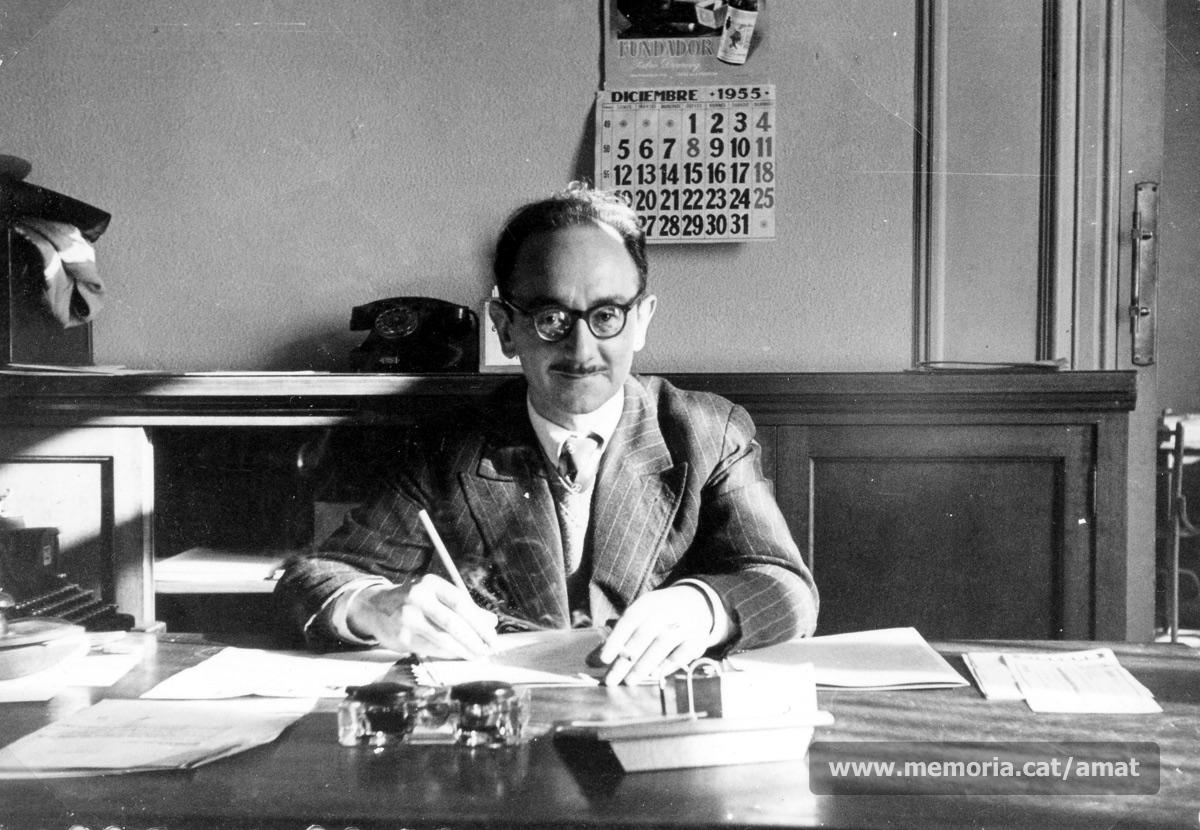 Any 1955. Amat-Piniella al seu escriptori. (Arxiu Històric Comarcal de Manresa)