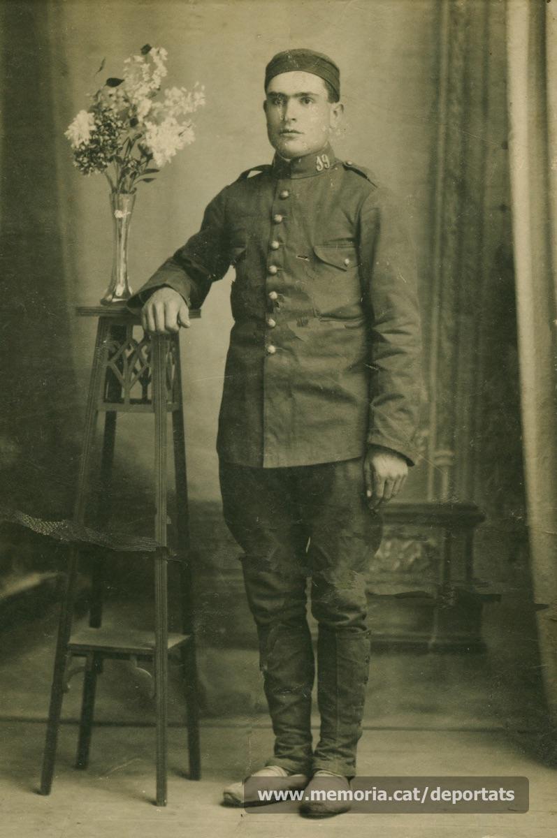 Rossend Labara Andrés amb 19 anys, fent el servei militar (Font: arxiu particular de Patricia Grapeloup-Labara)