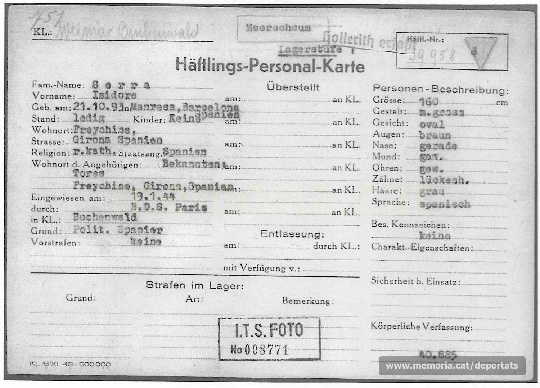 """Fitxa de presoner d'Isidre Serra a Buchenwald. Hi consta la menció """"Meerschaum"""" (escuma de mar), normalment atribuïda a presoners destacats per la seva activitat política i que havien de desaparèixer sense deixar rastre. (Font: ITS Bad Arolsen)"""